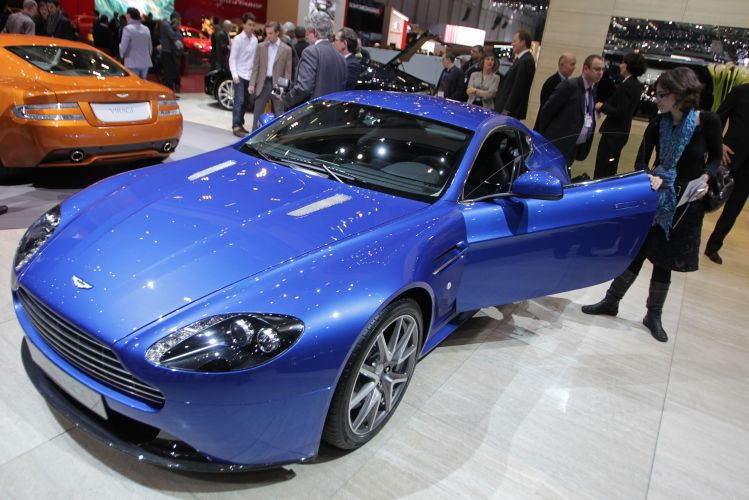 <b>Aston Martin V8 Vantage S</b>