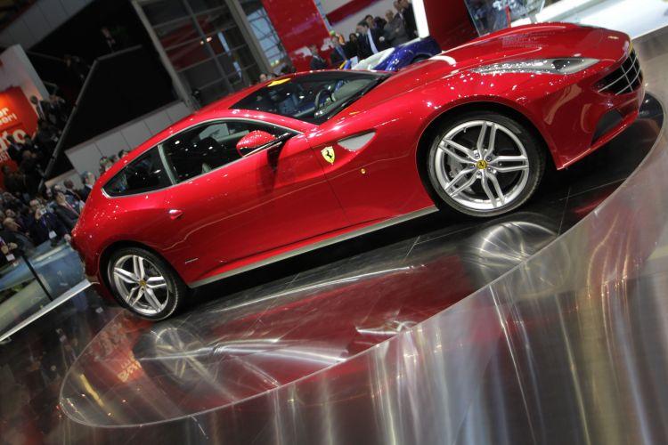 <b>Ferrari FF</b>