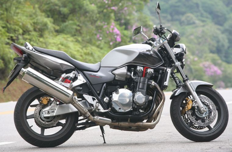 Foto Honda CB 1300 Super Touring Abs, imagen lateral moto