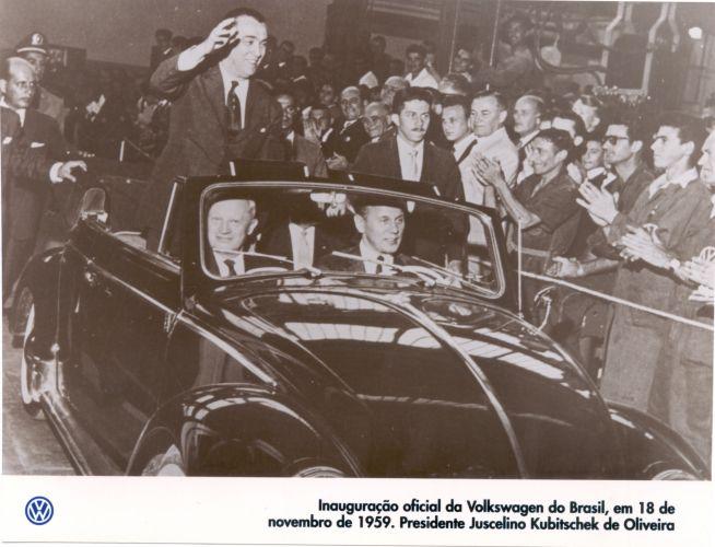 Inauguração da fábrica da Volkswagen no Brasil, na cidade de São Bernardo do Campo, 1959.