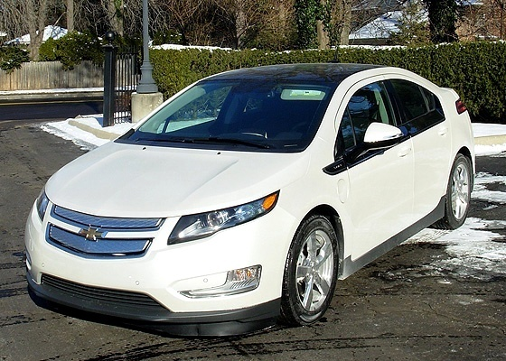 Chevrolet Volt empacota três motores em bela embalagem e põe a GM no século 21