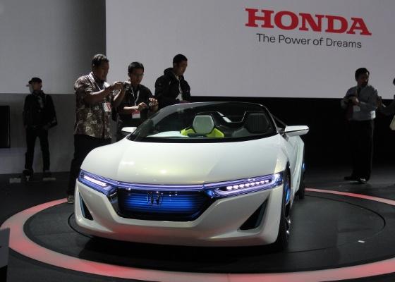 <b>Conceito EV-STER é proposta de roadster (conversível de dois lugares) elétrico</B>