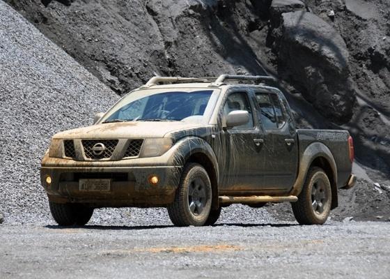 A picape da Nissan vai muito bem no asfalto, mas mostra que gosta de estar fora dele
