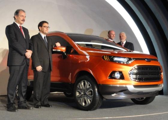 Mercadante, Marcos de Oliveira (presidente da Ford regional), Rogélio Golfarb (executivo da Ford) e Wagner apresentam protótipo da nova geração do EcoSport em Brasília (DF)
