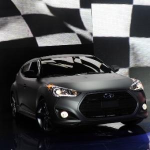 Loja de Veículos Hyundai-veloster-turbo-1326146391423_300x300