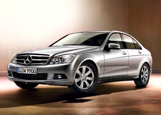 Mercedes-Benz C180 é atração em eventos da marca; seu sedã mais barato, sai por R$ 119.900 - Divulgação