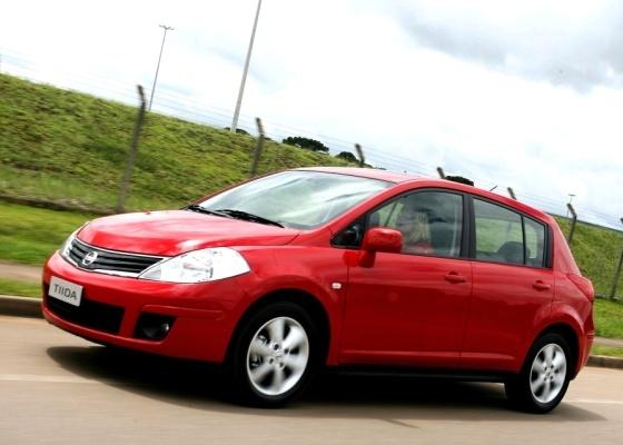 Nissan Tiida traz visual peculiar, interior espaçoso e bom motor flex, mas vendas ainda patinam - Divulgação