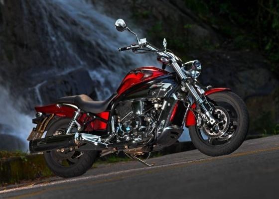 A Mirage tem visual arrojado, motor de 80 cv  e preço de  R$ 26.500 - Gustavo Epifanio/Agência Infomoto