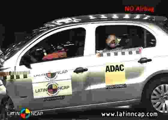 Desempenho de vendas do Volkswagen Gol, líder no Brasil, não se repetiu no teste de impacto frontal; ausência de airbags de série comprometeu o resultado final do modelo - Divulgação