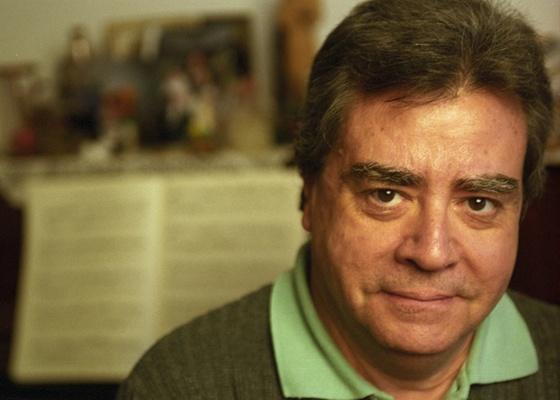 Almeida Prado, em seu apartamento na cidade de São Paulo, em 2005; o compositor morreu neste domingo (21) - Ana Ottoni/Folhapress - 05.07.2005
