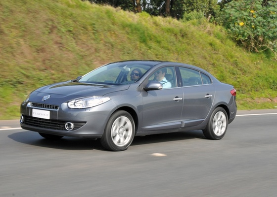 Renault Fluence, sedã médio que substitui o Mégane no Brasil e foi desenvolvido em parceria com a sul-coreana Samsung, é uma das apostas da marca para o país em 2011 - Divulgação