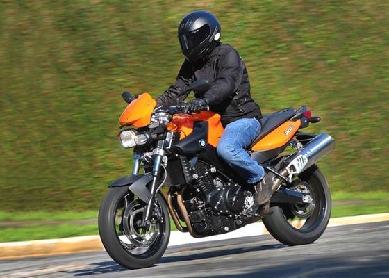 Naked de 800 cm³ começa a ser fabricada em abril, com preço na casa dos R$ 38 mil - Gustavo Epifanio/Infomoto