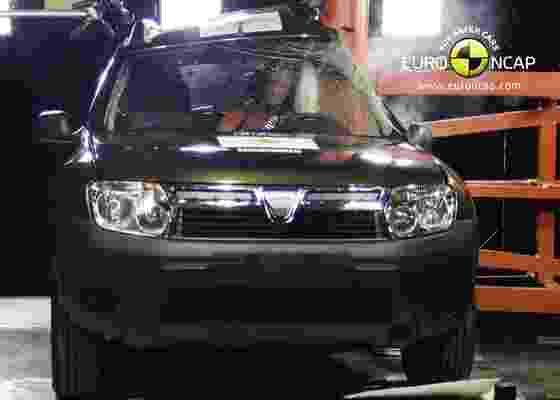 Dacia Duster, produzido pela subsidiária da Renault, decepcionou no Euro NCAP - EuroNCAP