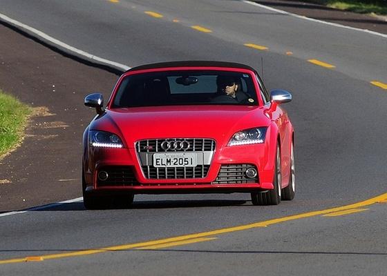 Audi TTS Roadster: charme se transforma em ousadia sob pressão dos 276 cavalos - Murilo Góes/UOL