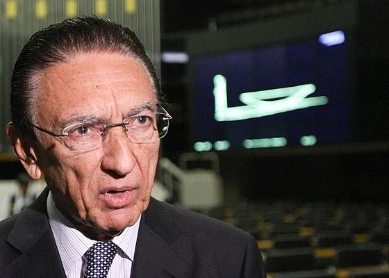 <b>Edison Lobão, ministro de Minas e Energia, fala em queda imediata de preços</b>  - Sérgio Lima/Folhapress