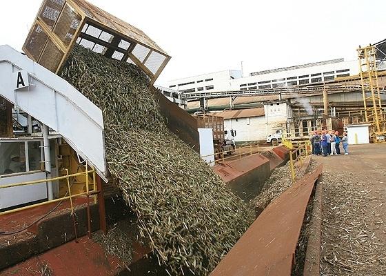 <b>Usina de cana-de-açúcar na região de Ribeirão Preto, em São Paulo</b> - Silva Júnior/Folhapress