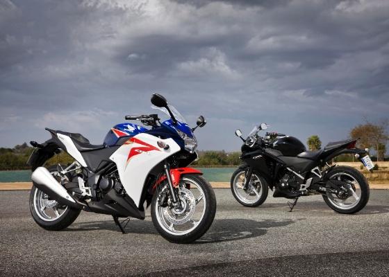 Com a pequena esportiva, a Honda arrisca concorrer em um segmento dominado pela Kawasaki Ninja 250R - Divulgação