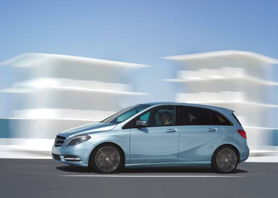 Visual dinâmico marca a nova geração do Classe B; modelo deve chegar ao Brasil em 2012 - Divulgação