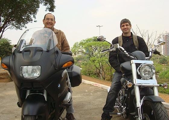 Alfonso Pantalena com uma BMW e Frederico De Cunto com uma Kasinski, ambas envelopadas - Doni Castilho/Infomoto