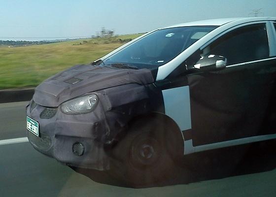 <b>O Hyundai HB, provável i15, circula em rodovia no interior de São Paulo</b> - Augusto Cruz/UOL