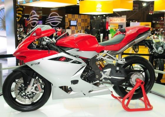 MV Agusta F4 é uma das esportivas da marca italiana que serão vendidas no Brasil. Com design diferenciado e motor de 1000cc, a moto tem preço definido: R$ 68 mil - Doni Castilho/Infomoto
