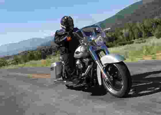 Moto tem desenho conservador e preço sugerido de R$ 43.700. Vendas começam em 2012 - Divulgação