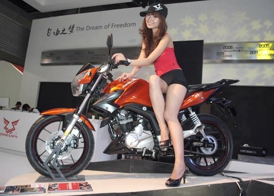 <b>Moto da Zongshen, que apela diretamente ao novo consumidor chinês</b> - Arthur Caldeira/Infomoto