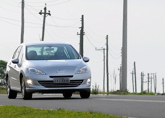 <b>Peugeot 408 Allure M/T: bom custo/benefício num carro ótimo de dirigir</b> - Murilo Góes/UOL