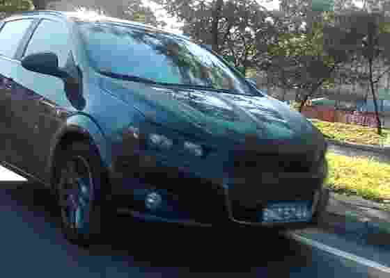 <b>Chevrolet Sonic trafega em São Paulo: faróis com dois canhões são inconfundíveis</b> - Fábio dos Santos Silva/UOL
