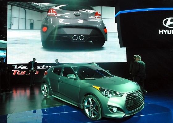 Hyundai Veloster Turbo voa baixo em dois mundos: o real e o virtual - Eugênio Augusto Brito/UOL