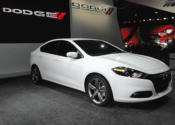 Dodge Dart: nome velho, carro novo, base de Alfa Romeo e distância do Brasil. Por enquanto...