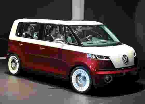 """Volkswagen Bulli no Salão de Genebra de 2011: """"nova Kombi"""" terá motor na dianteira - Reprodução"""