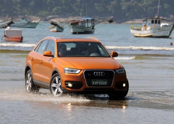 Seja no asfalto, na areia ou na água, crossover da Audi não nega a vontade do motorista - Murilo Góes/UOL