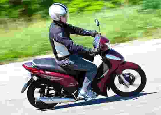 Além de prática, CUB de 125cc é flex e econômica: roda 42 km/l de etanol - Doni Castilho/Infomoto