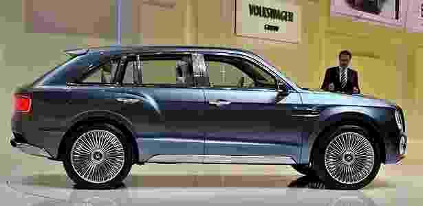 Bentley EXP 9 F no Salão de Genebra: bonito demais, só que ao contrário  - AFP