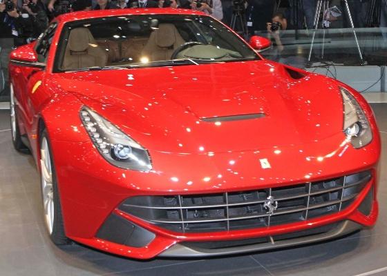 Ferrari F12 Berlinetta é apresentado à imprensa no Salão de Genebra 2012 - Reuters