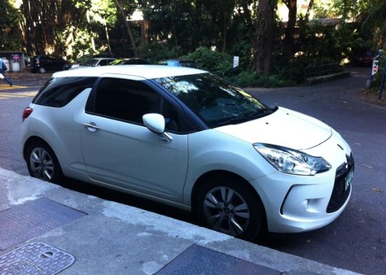 Aposta premium da Citroën, compacto DS3 circula pelo país sem qualquer camuflagem